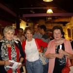 Teresa Ahedo y Kontxi trigo con una amiga carranzana